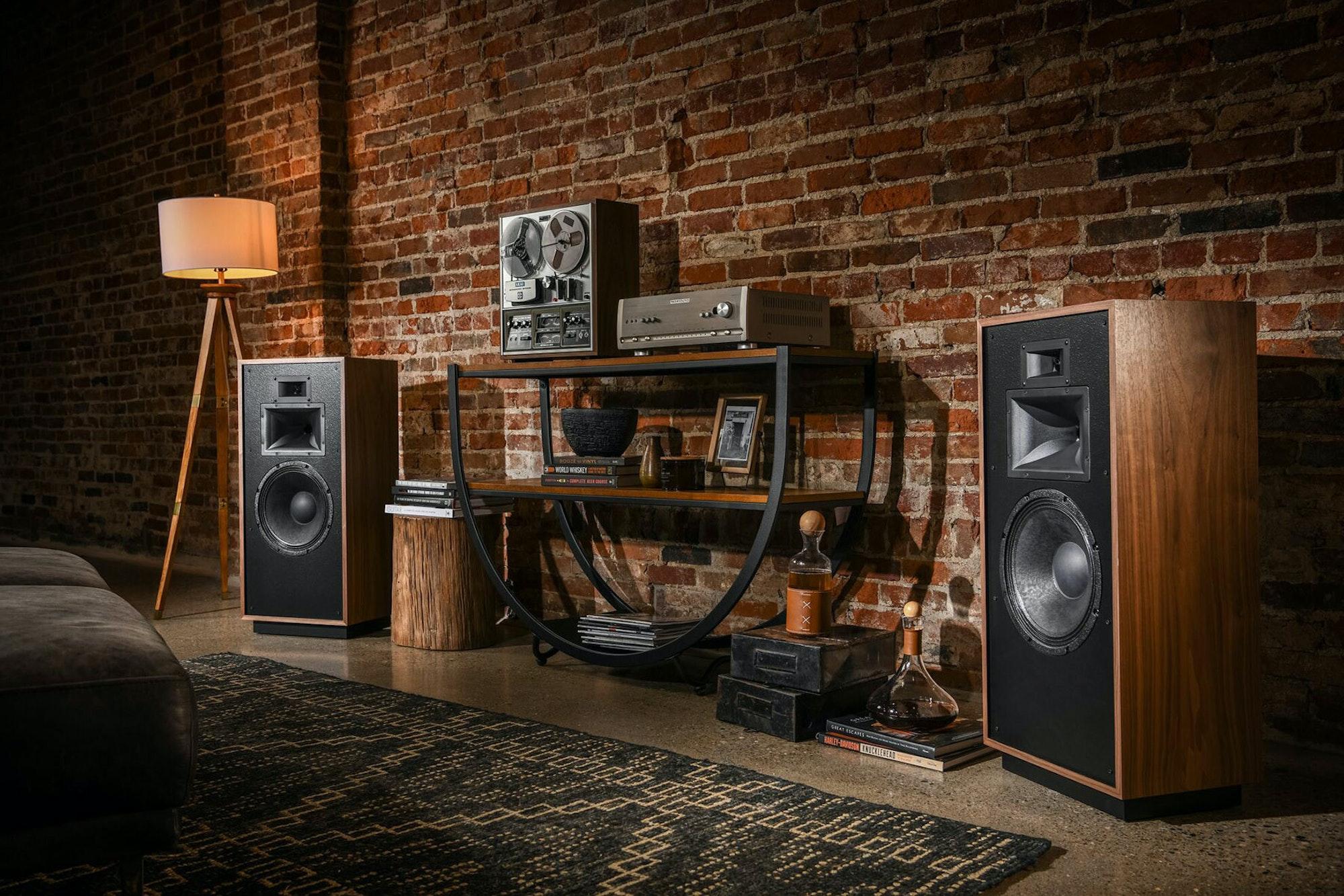 Klipsch Forte IV loudspeaker premium speakers living room