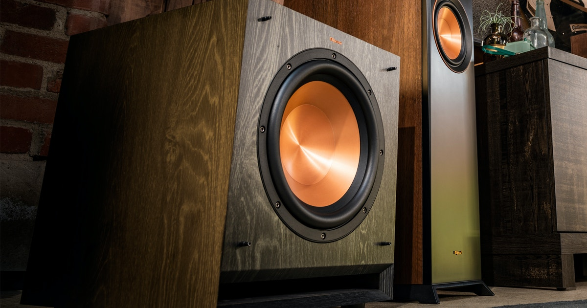 Down-Firing vs Front-Firing Subs: A Subwoofer Comparison Guide