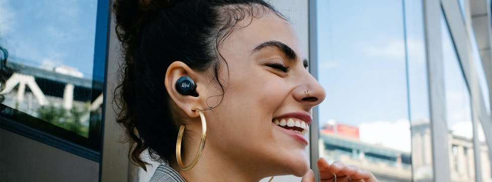 What Are Active Noise Canceling Headphones and Why Do You Need Them?