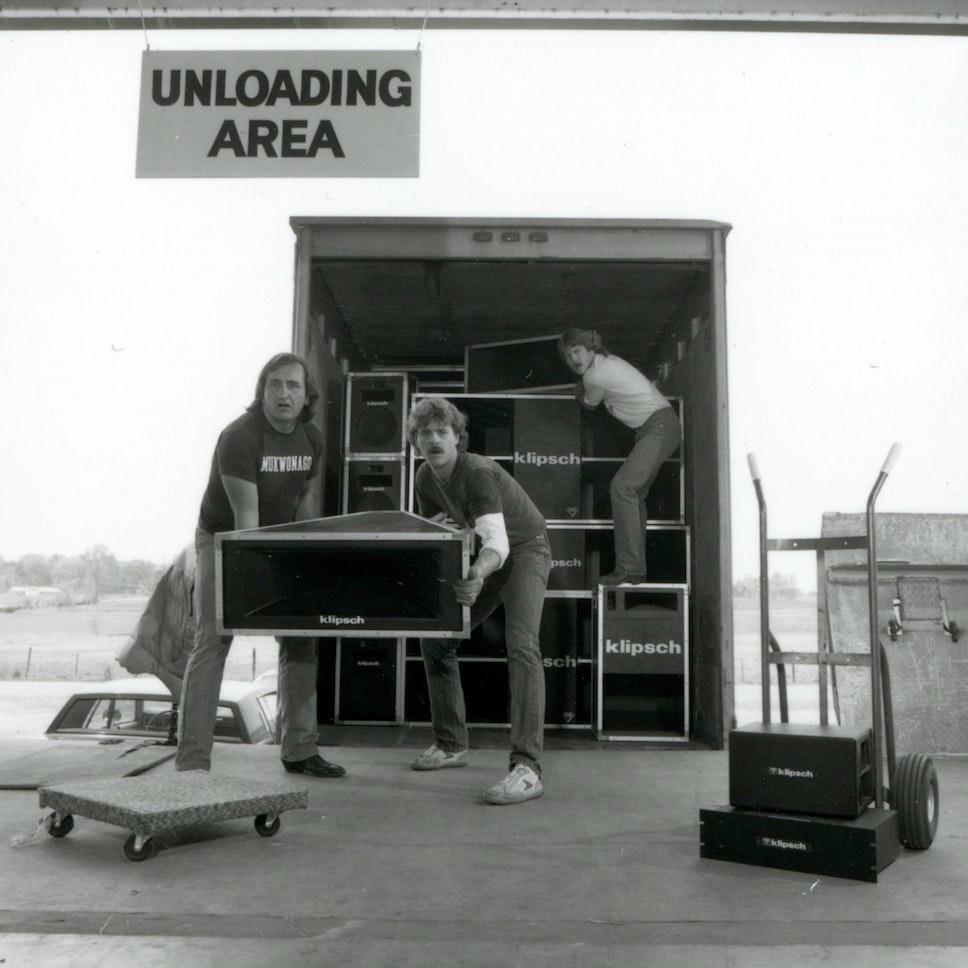 Unloading Area 635125922425340000