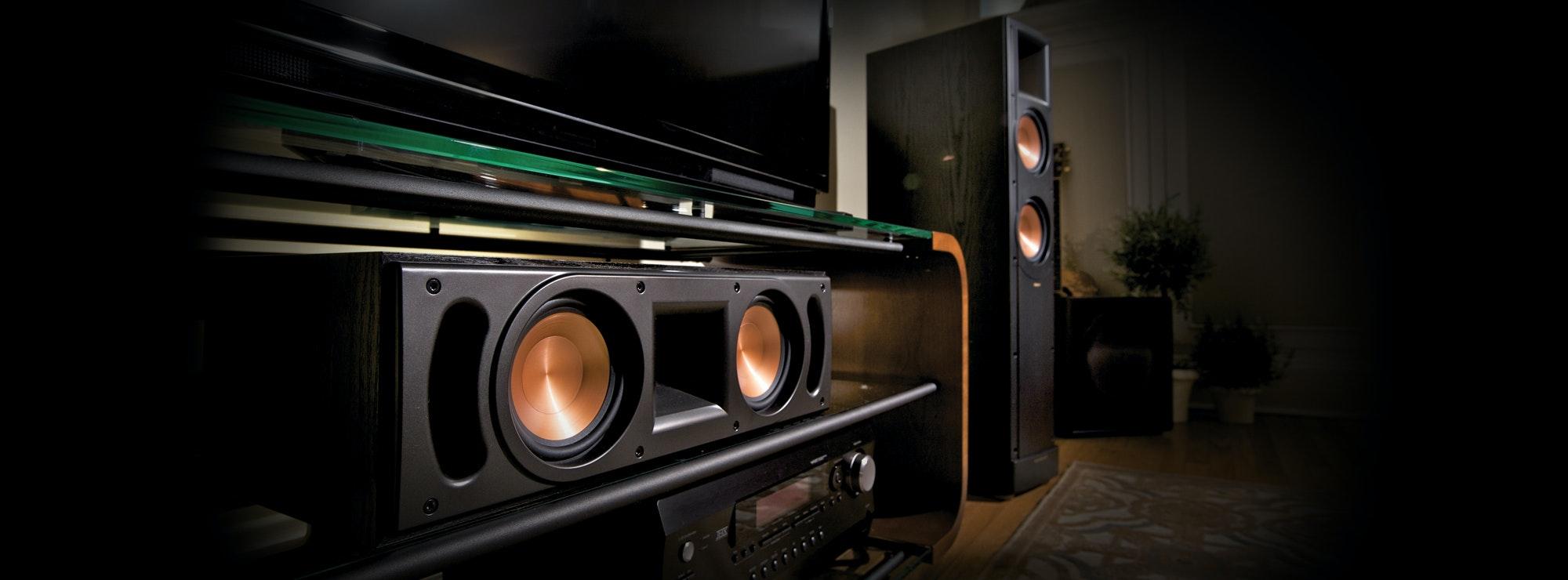 Center channel speaker and floorstanding speaker